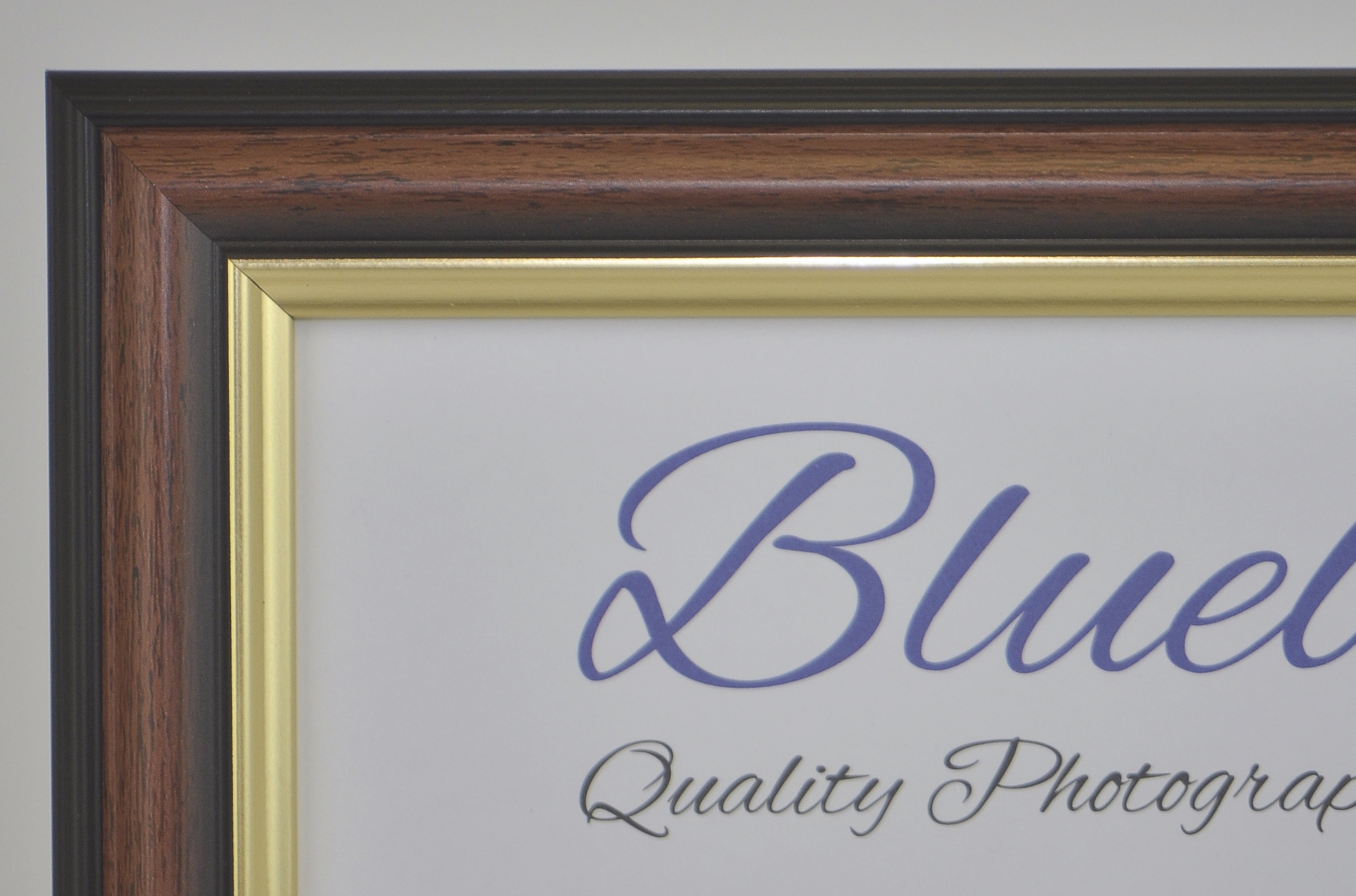 M9 TRADITIONAL TEAK AND GOLD (Packs of 4 frames). - Trade Picture Frames